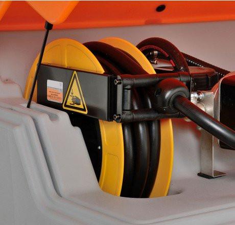 Schlauchaufroller Diesel mit 8 m Schlauch DN 19