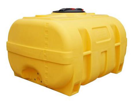 PE-Fass Gelb kofferförmig mit Schwallwand